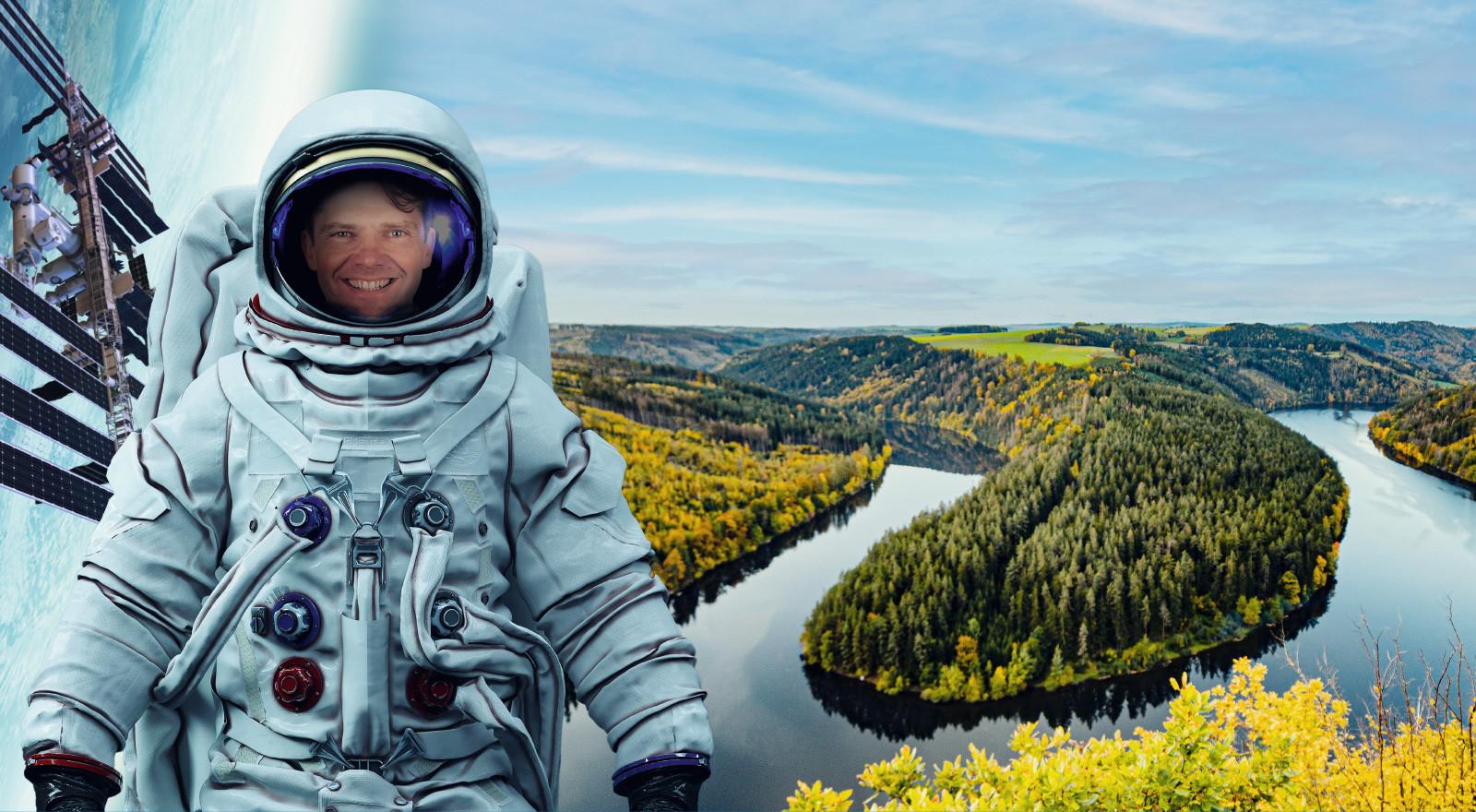Heroimg astronaut